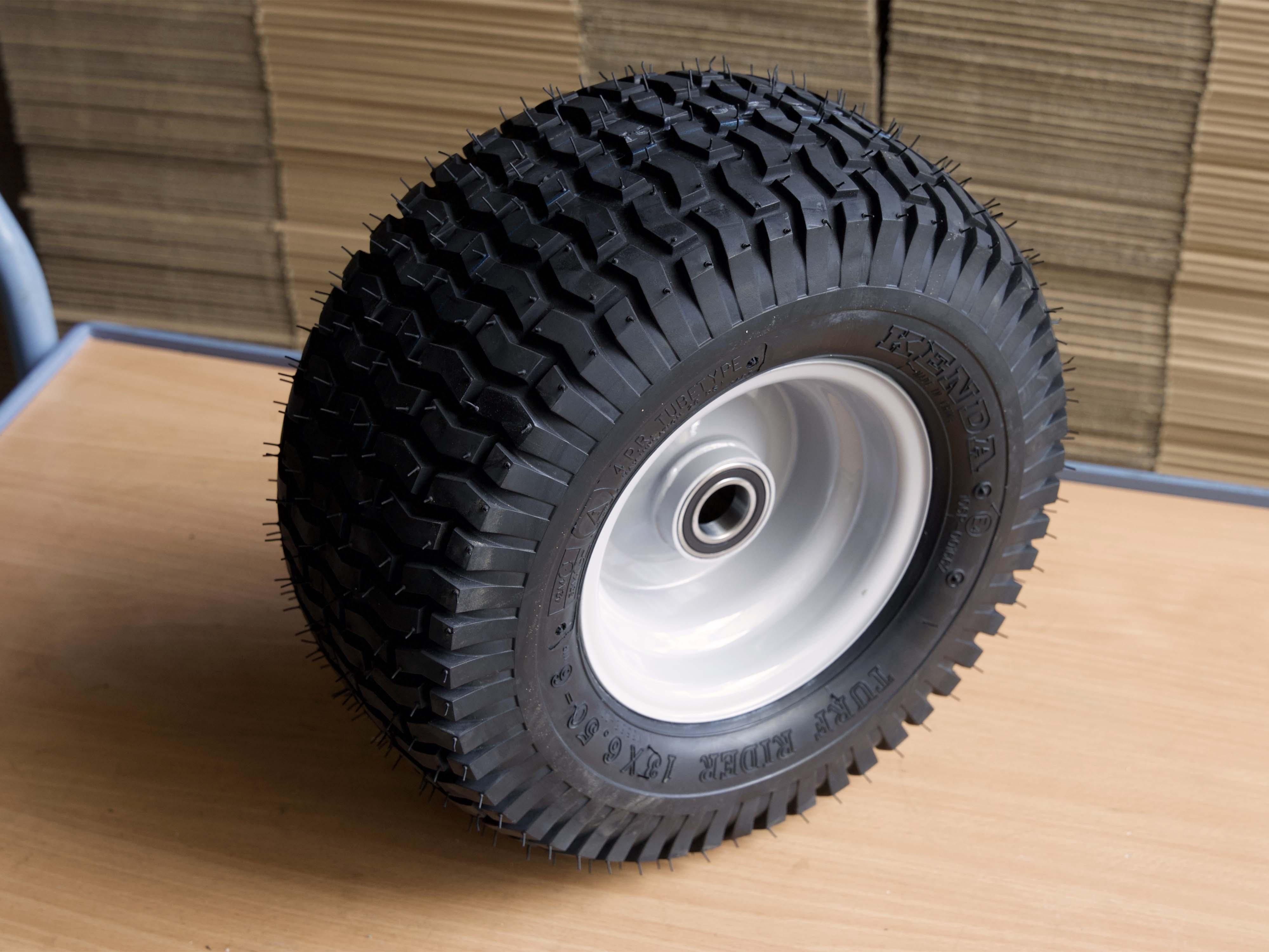 montierter Reifen auf Felge aufgepumpt: Die Deformation ist verschwunden!